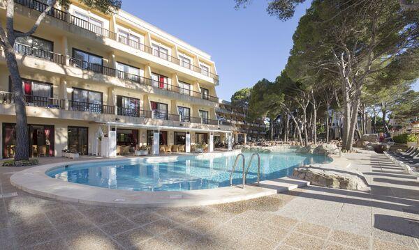 Holidays at Bella Playa Hotel in Cala Ratjada, Majorca