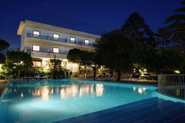 Holidays at Alpha Hotel in Sorrento, Neapolitan Riviera