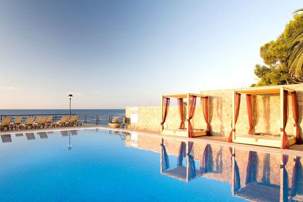 Holidays at Barcelo Illetas Albatros Hotel in Illetas, Majorca