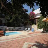 Rena Apartments Picture 2