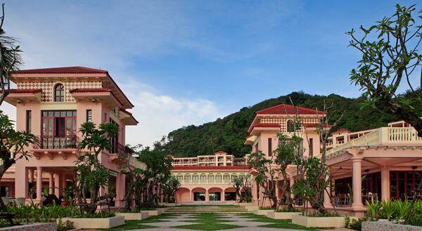 Holidays at Centara Grand Beach Resort Phuket Hotel in Phuket Karon Beach, Phuket