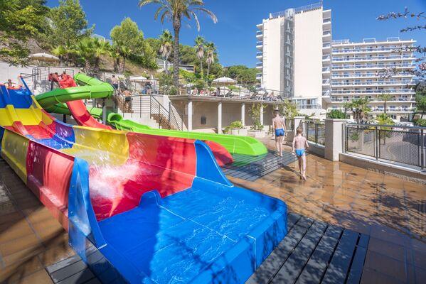 Holidays at Oasis Park Splash Hotel in Calella, Costa Brava