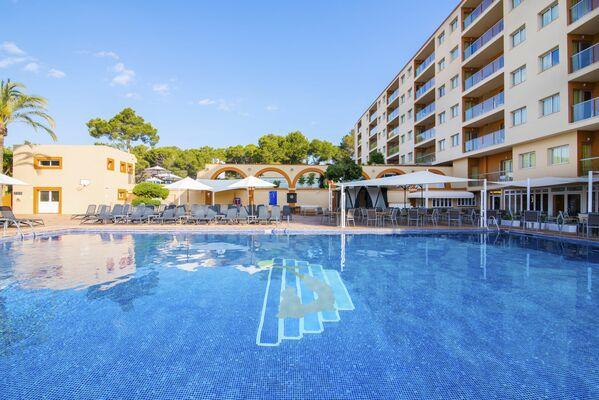 Holidays at Azuline Atlantic Aparthotel in Es Cana, Ibiza
