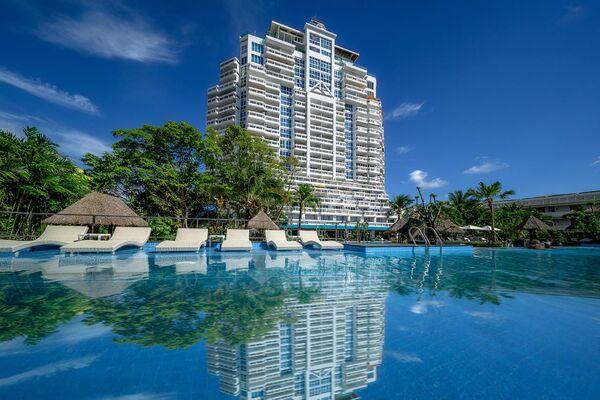 Holidays at Andaman Beach Suites Hotel in Phuket Patong Beach, Phuket