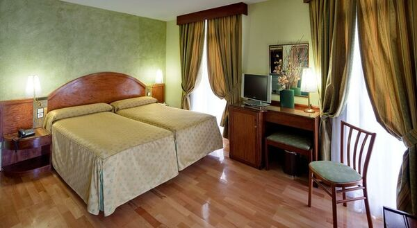 Holidays at Suizo Hotel in Gothic Quarter, Barcelona