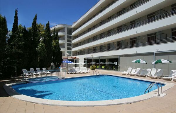 Holidays at Medplaya Esmeraldas Aparthotel in Tossa de Mar, Costa Brava