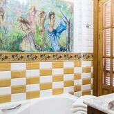 Abril Apartments Picture 13